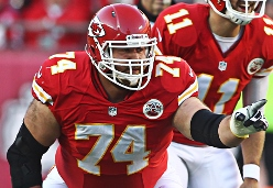 Is Geoff Schwartz a free agent guard Jason Licht should sign?