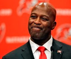 A look at Lovie Smith's drafts with the Bears.