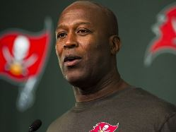 Bucs coach Lovie Smith is trying out all sorts of guys at kick return.
