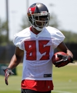 Bucs WR Tommy Streeter made a big-time splash in practice Saturday.