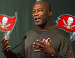 Bucs coach Lovie Smith was not fond of an unsourced USA Today item that spoke ill of RB Doug Martin.