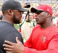 Mike Tomlin talks to Joe