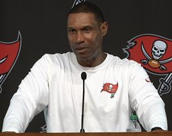 Bucs DC Leslie Frazier hasn't had much luck slowing down Packers QB Aaron Rodgers in seasons past.