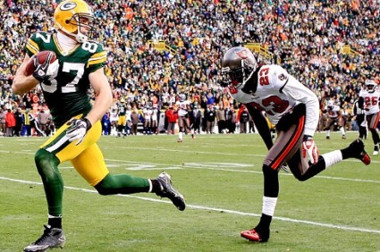 The last time the Bucs faced the Packers, Buc s CB Myron Lewis found out the hard way that Packers WR Jordy Nelson is among the NFL elite.