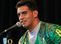 Marcus Mariota was in the huddle five times last season