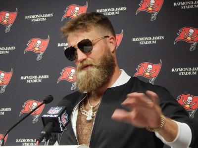 Fitzpatrick Commands The Spotlight - JoeBucsFan.com - Tampa Bay Bucs ... 0134e20b4